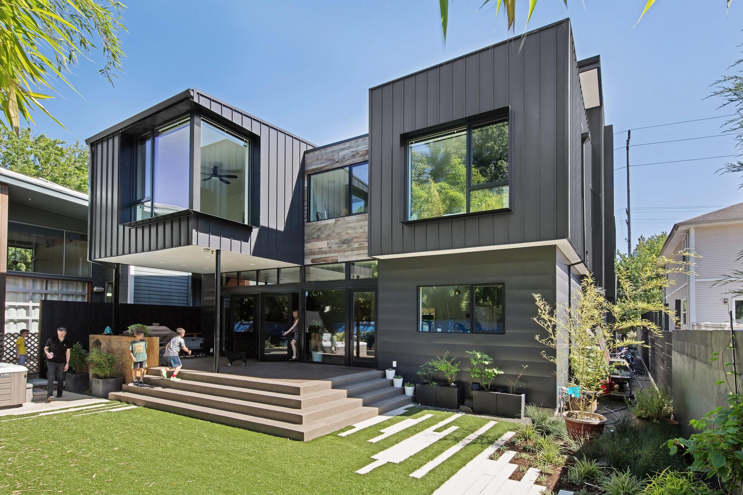 Kuerbis House_Residential Photo 03.jpg