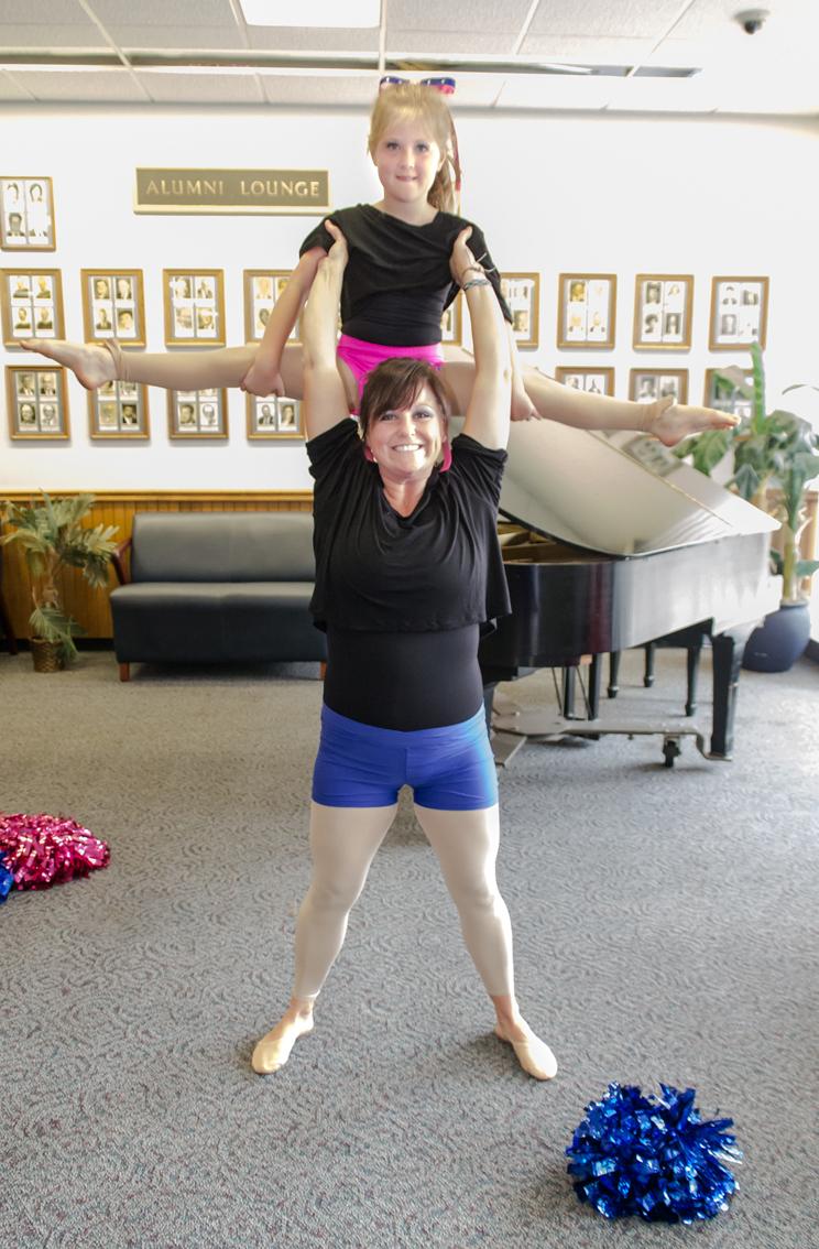 Dancers14 lowres.jpg