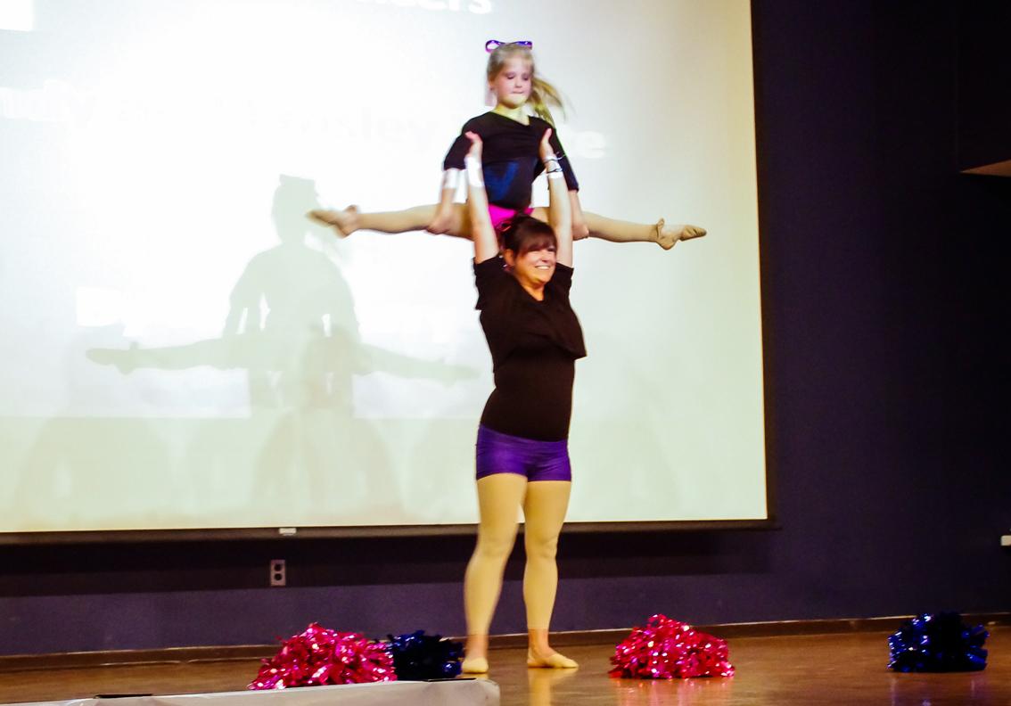 Dancers27 lowres.jpg