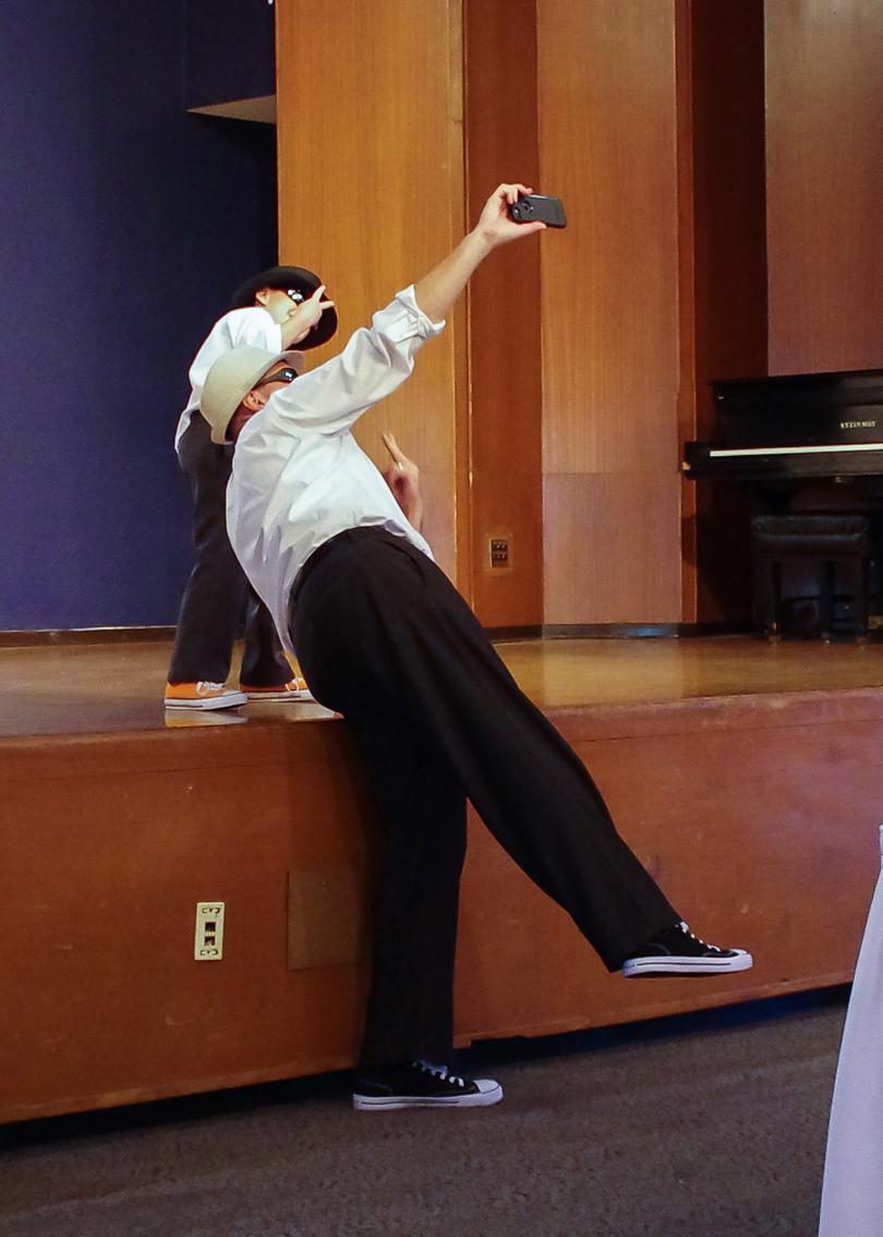 Dancers40 lowres.jpg