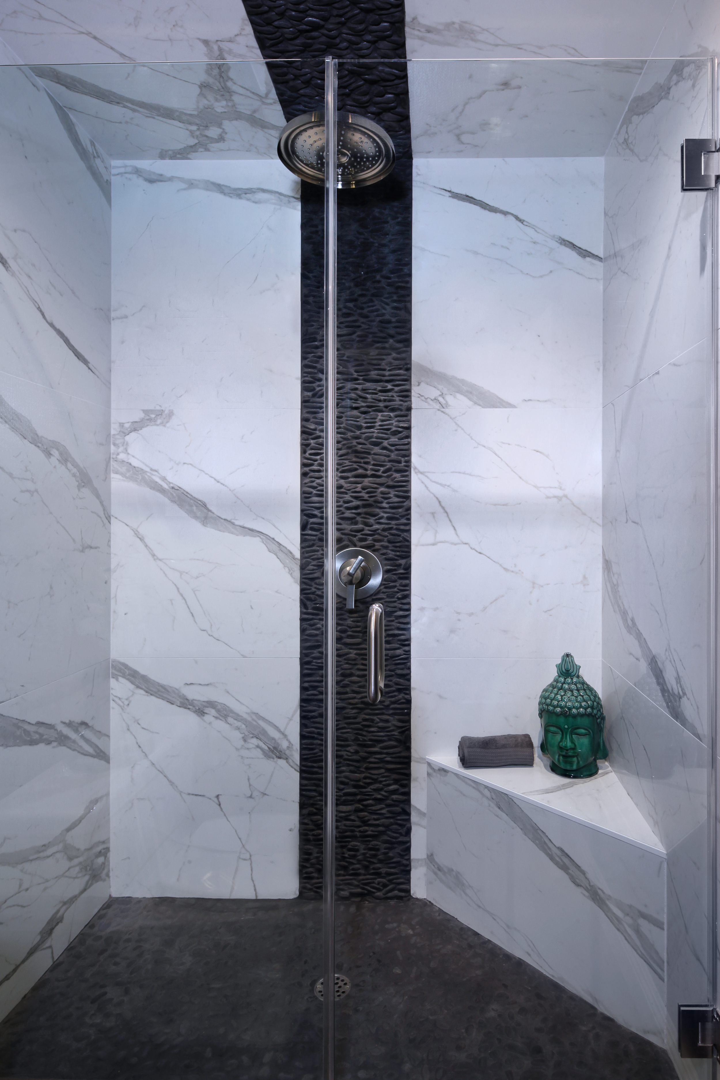 7848SanLuisDr06Shower.jpg