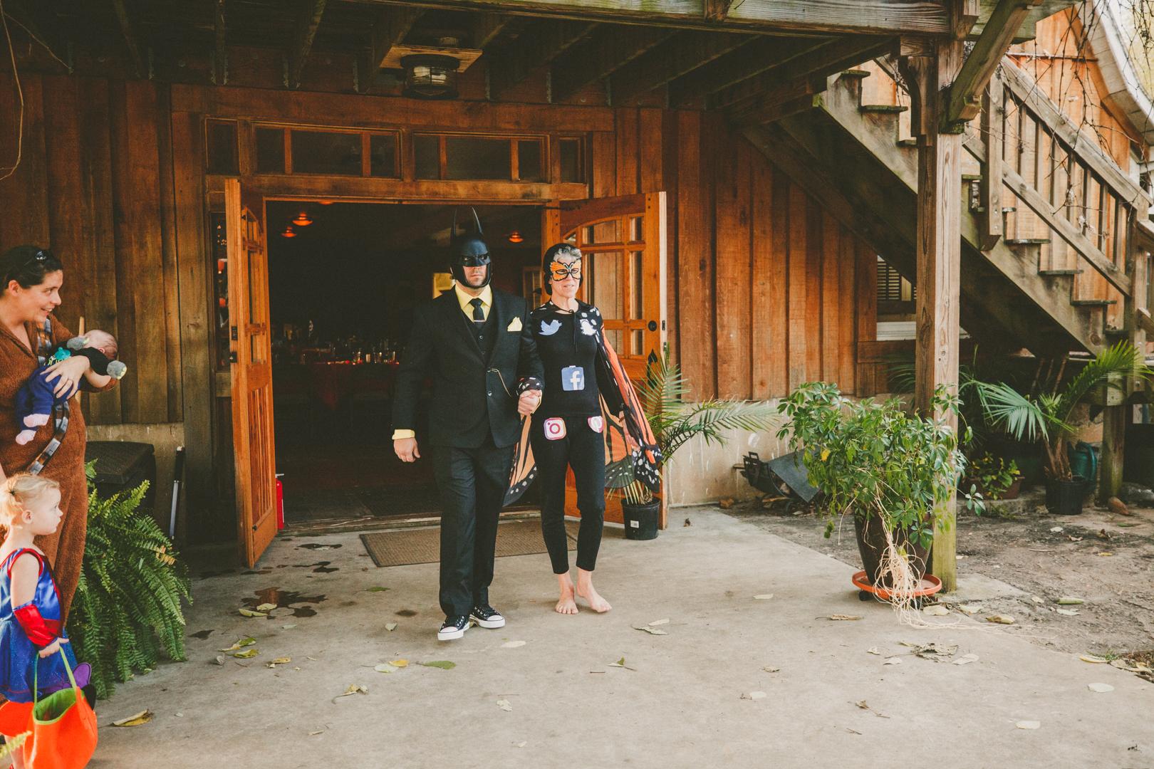 Mike&Hannah_HalloweenWedding-12.jpg