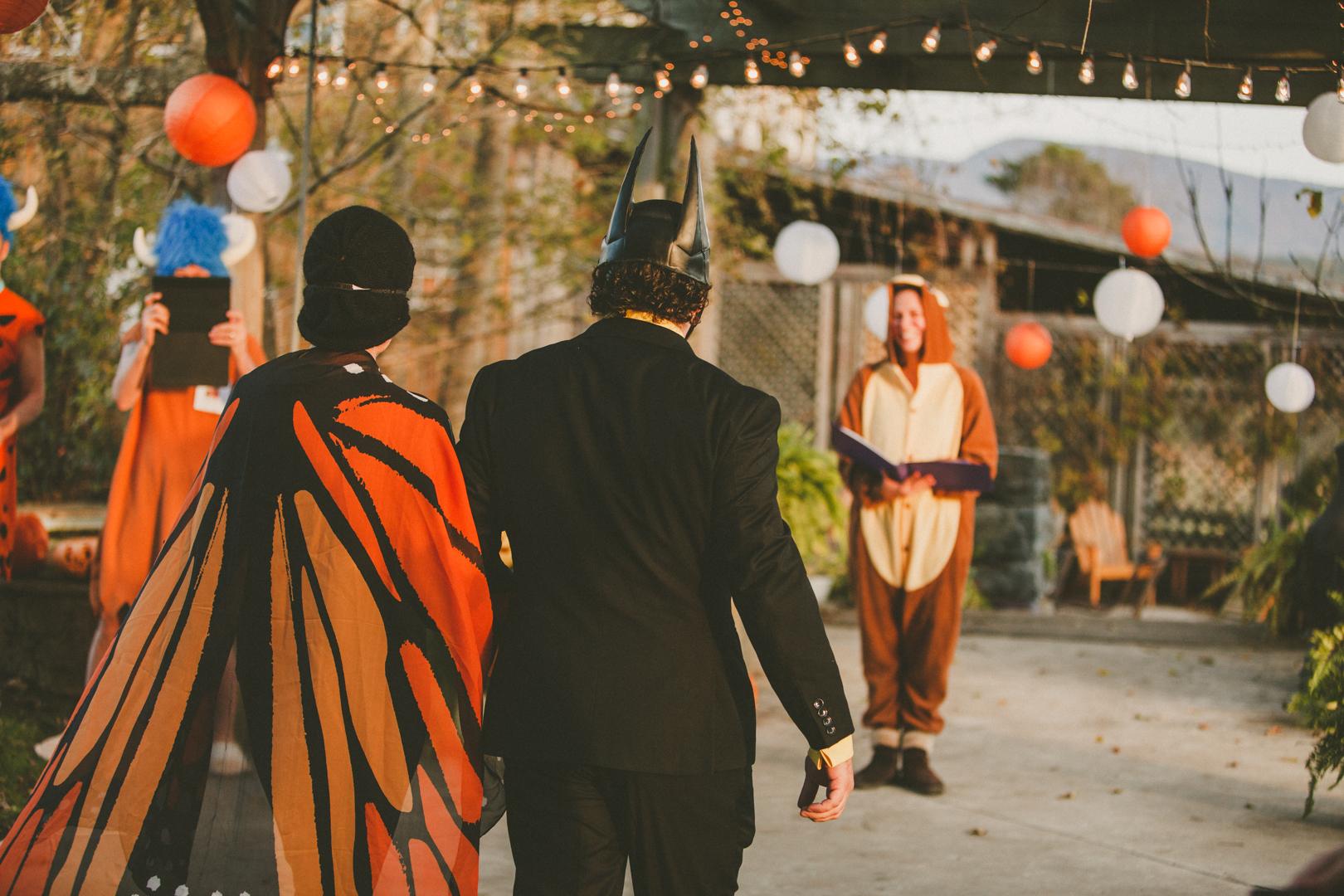 Mike&Hannah_HalloweenWedding-13.jpg