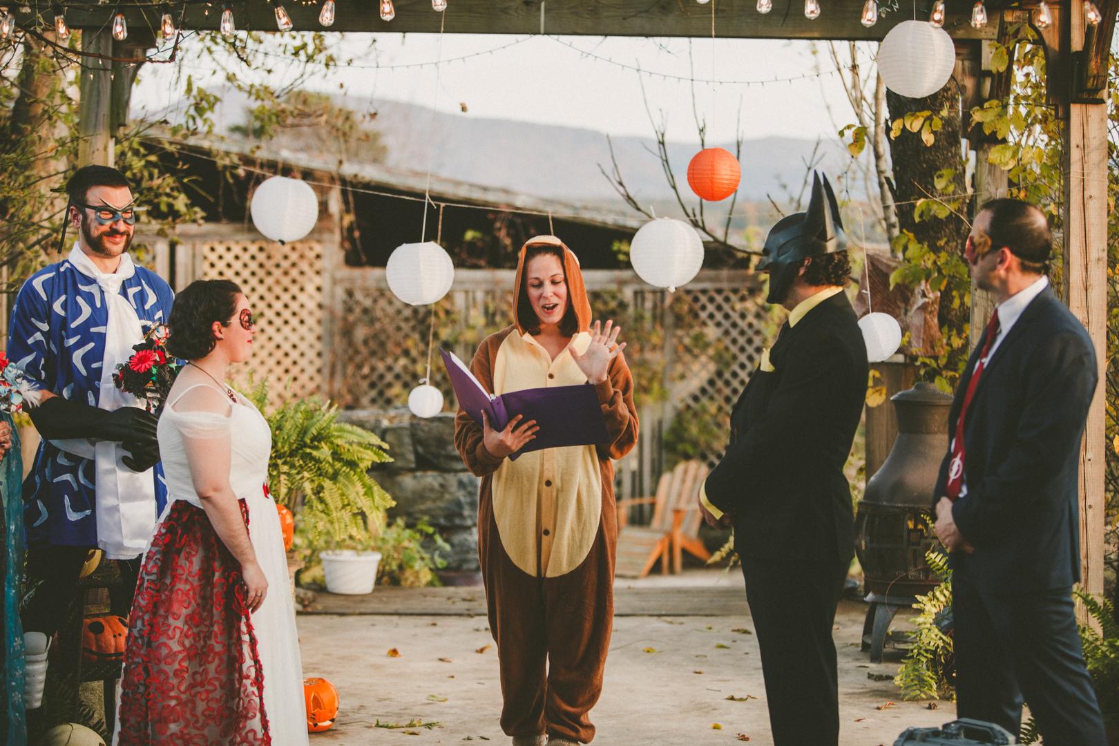 Mike&Hannah_HalloweenWedding-19.jpg