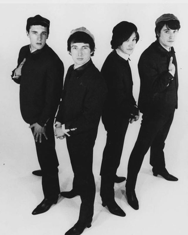 Tonight we're shaking up $6 cocktails to the Kinks!! Every week we focus on another classic artist! Who would you like to see us feature? #happyhour #thekinks #bestbars #logansquare -#chicagococktails