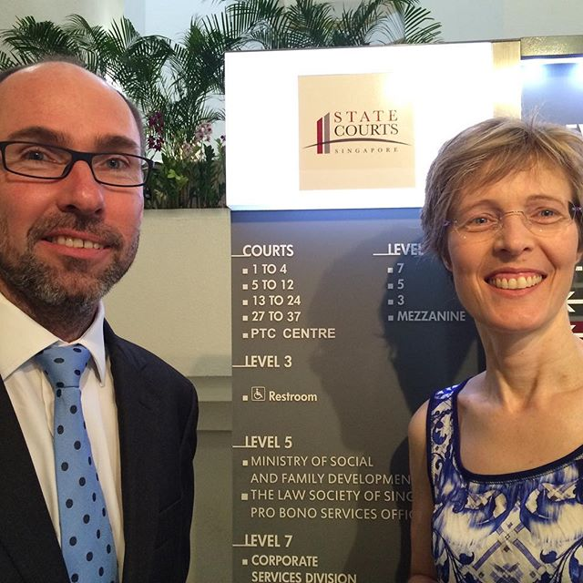 Gail Archer SC (WA) and Chris Whitcutt SC (Sth African Bar) teaching advocacy at the State Courts in Singapore. #advocacyhub