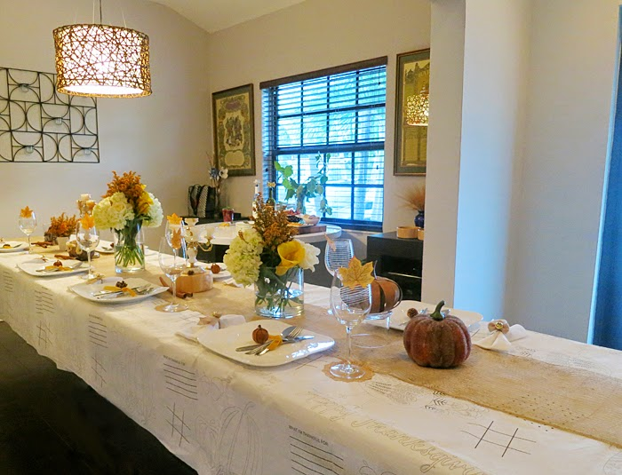 Last year's Thanksgiving was spent over a friend's house. So you know we had to style a table setting for Thanksgiving.