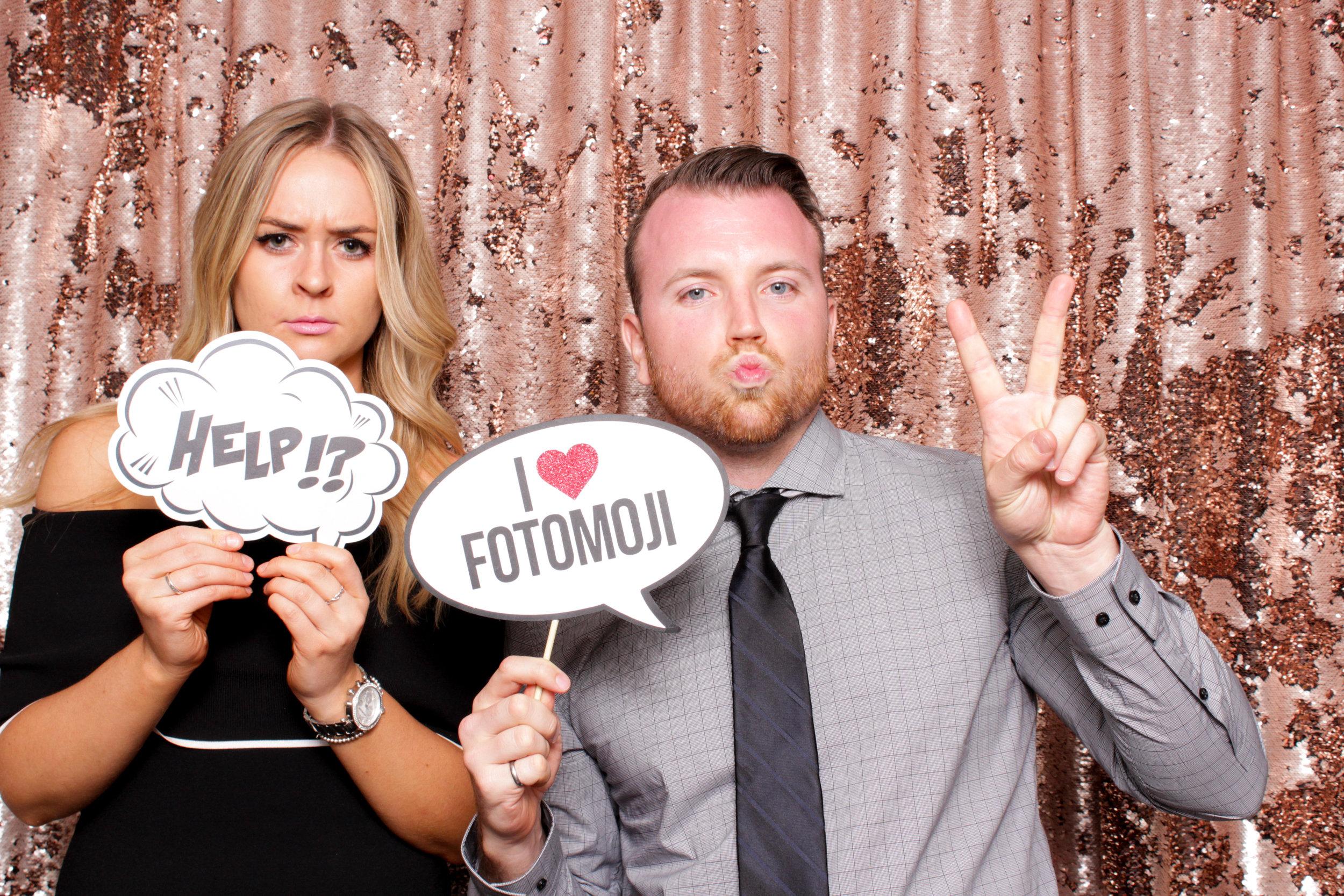 FOTOMOJI_Calgary_Wedding_Photo_Booth_Rental-140.jpg