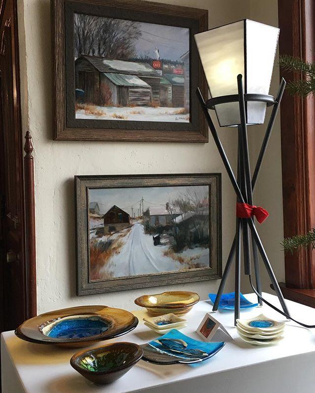 Kathy Burk And Gregory Wilhelmi = Winning Combination!! .  #coilaevansartgallery #gregorywilhelmi #kathyburk #montanaartists . . . . .  #landscapepainting #cityscape #fusedglass #lamp #interiordecor #bigskymontana #christmasgiftsideas #cowboychristmas #westernartcollector #westernart #westernartist #artgallery #fineart #representationalart #creativeuprising #impressionism #realism #artcollector #oiloncanvas #fineart #originalart  #farmlife #yellowstonenationalpark #montana #artistsoninstagram