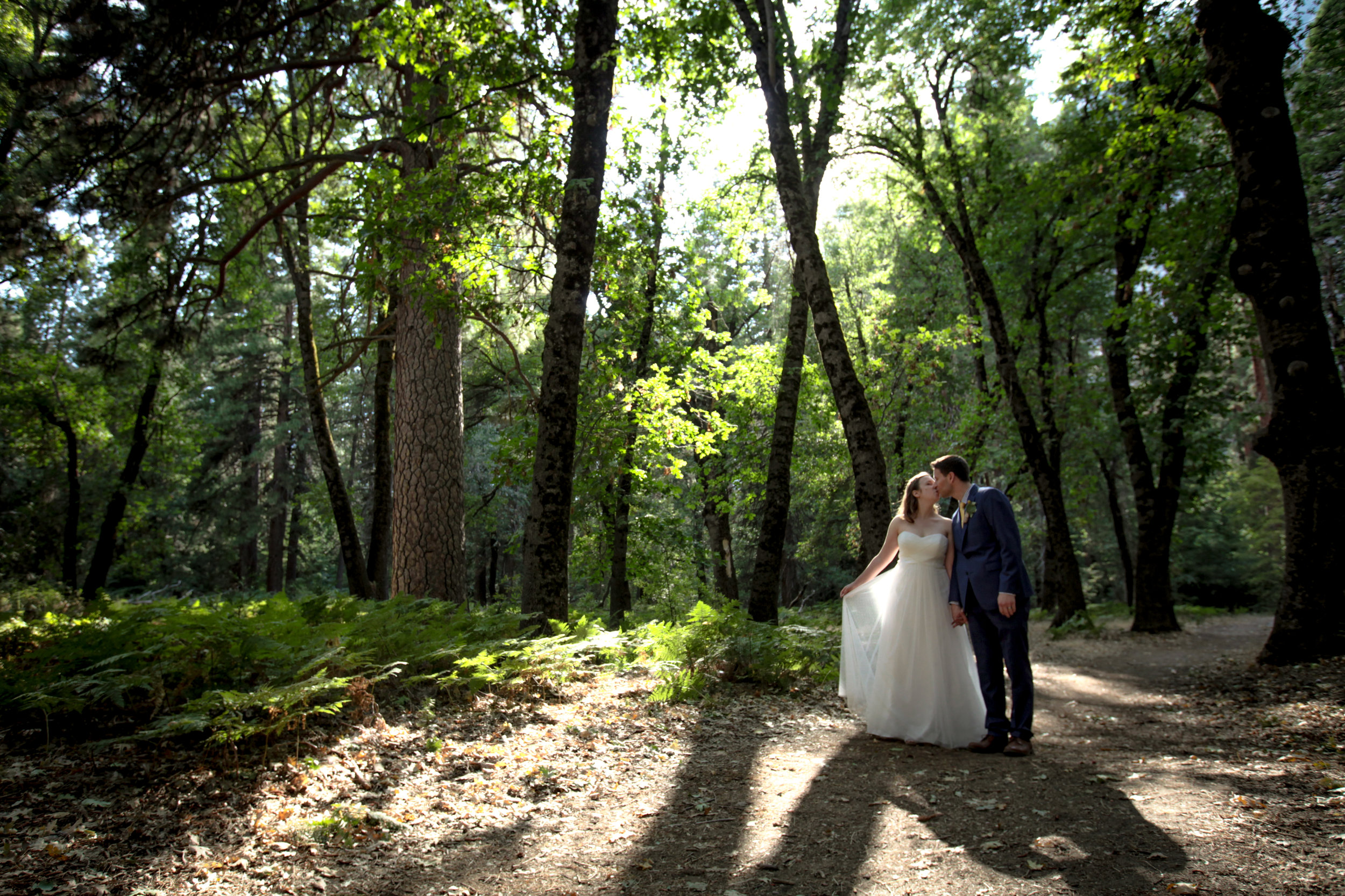 photo of Yosemite wedding photographer