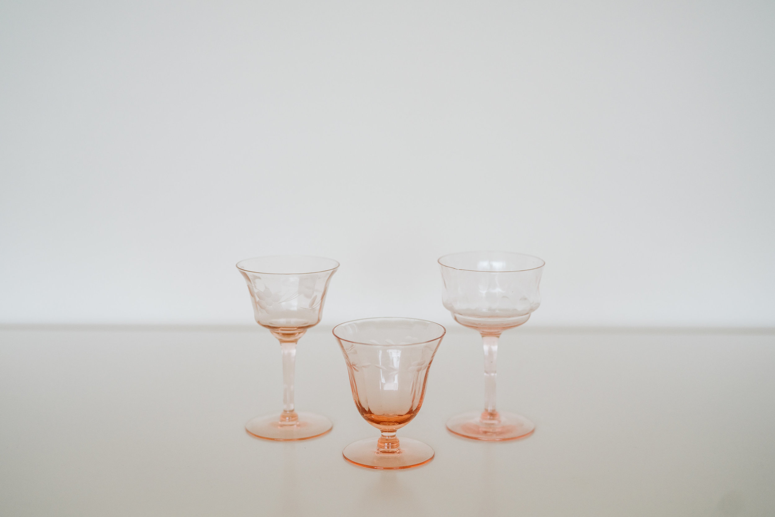 BLUSH DEPRESSION CORDIAL GLASSES