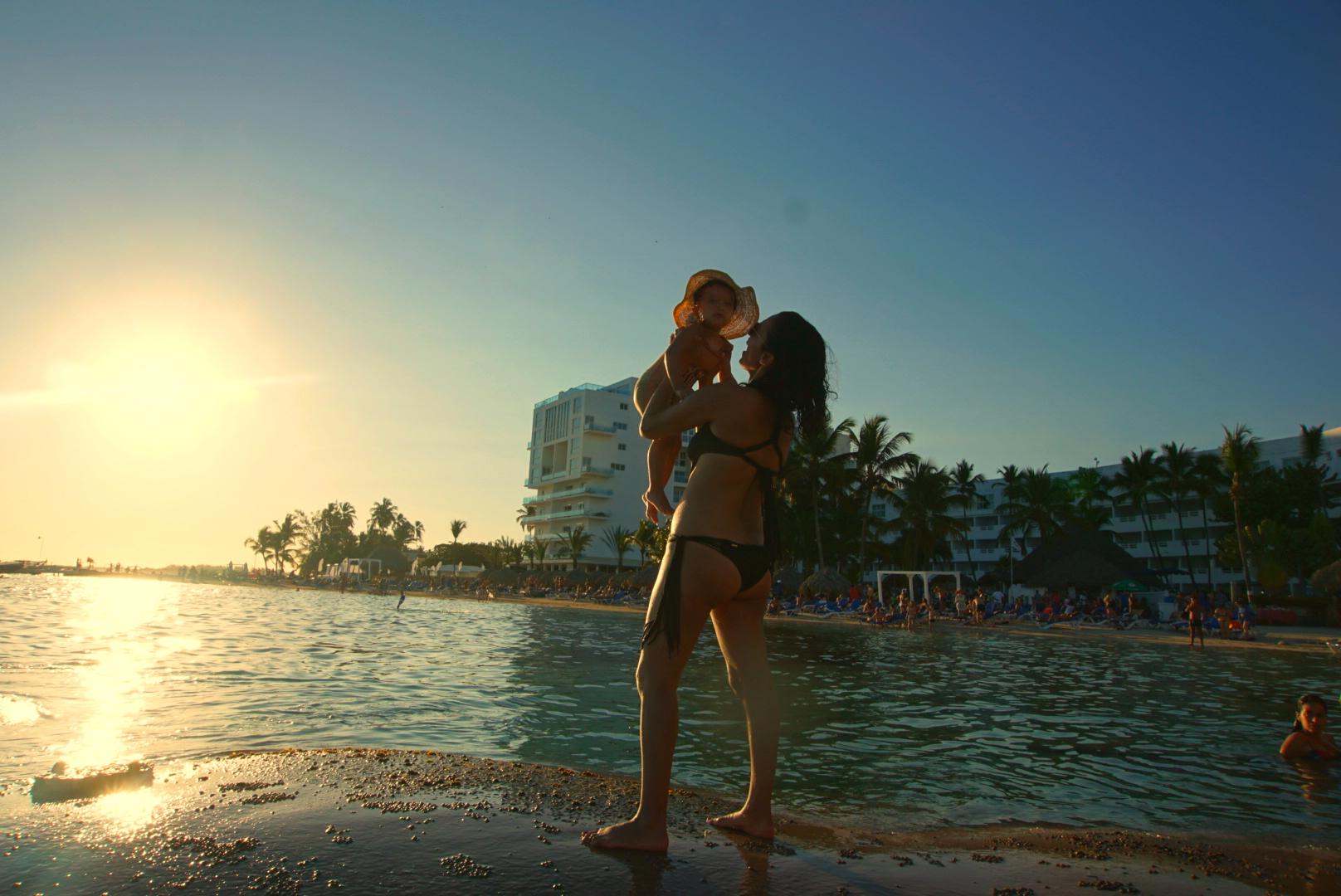 El Pelicano Restaurante, Playa Boca Chica, Be Live Hamaca Beach Hotel
