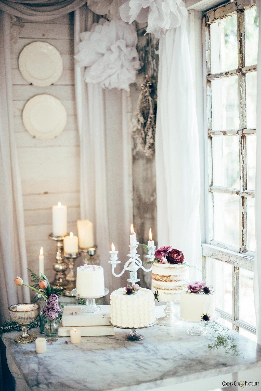 seattle-tiny-house-styled-shoot-wedding-cake-design_0009.jpg