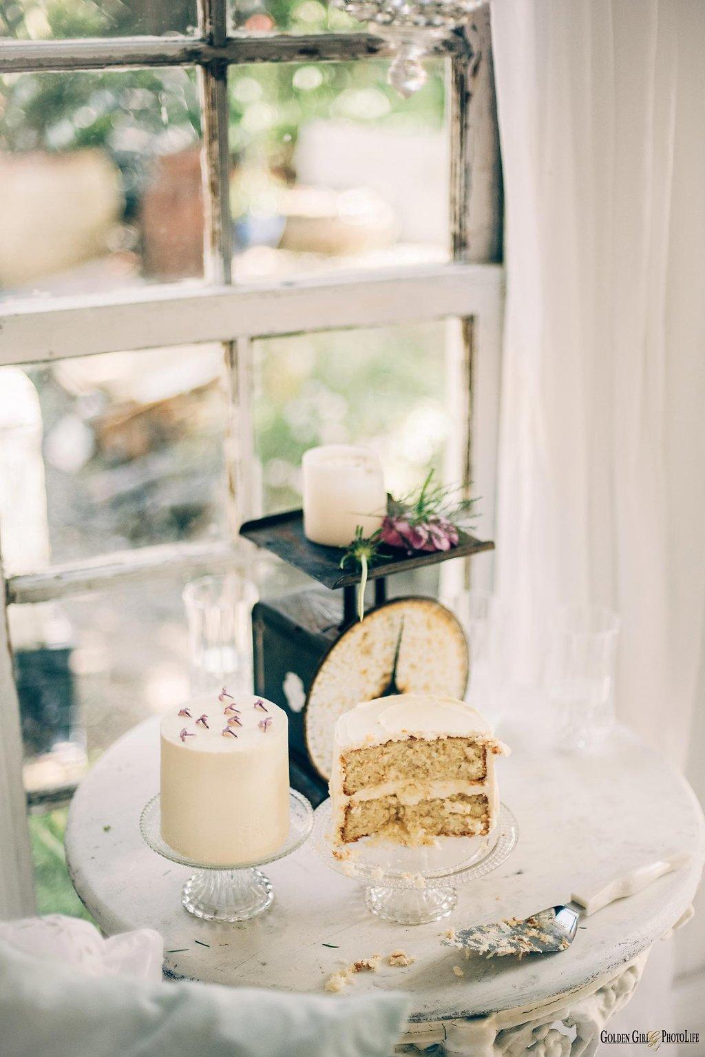 seattle-little-white-house-wedding-dress-theory-bohemian_0037.jpg