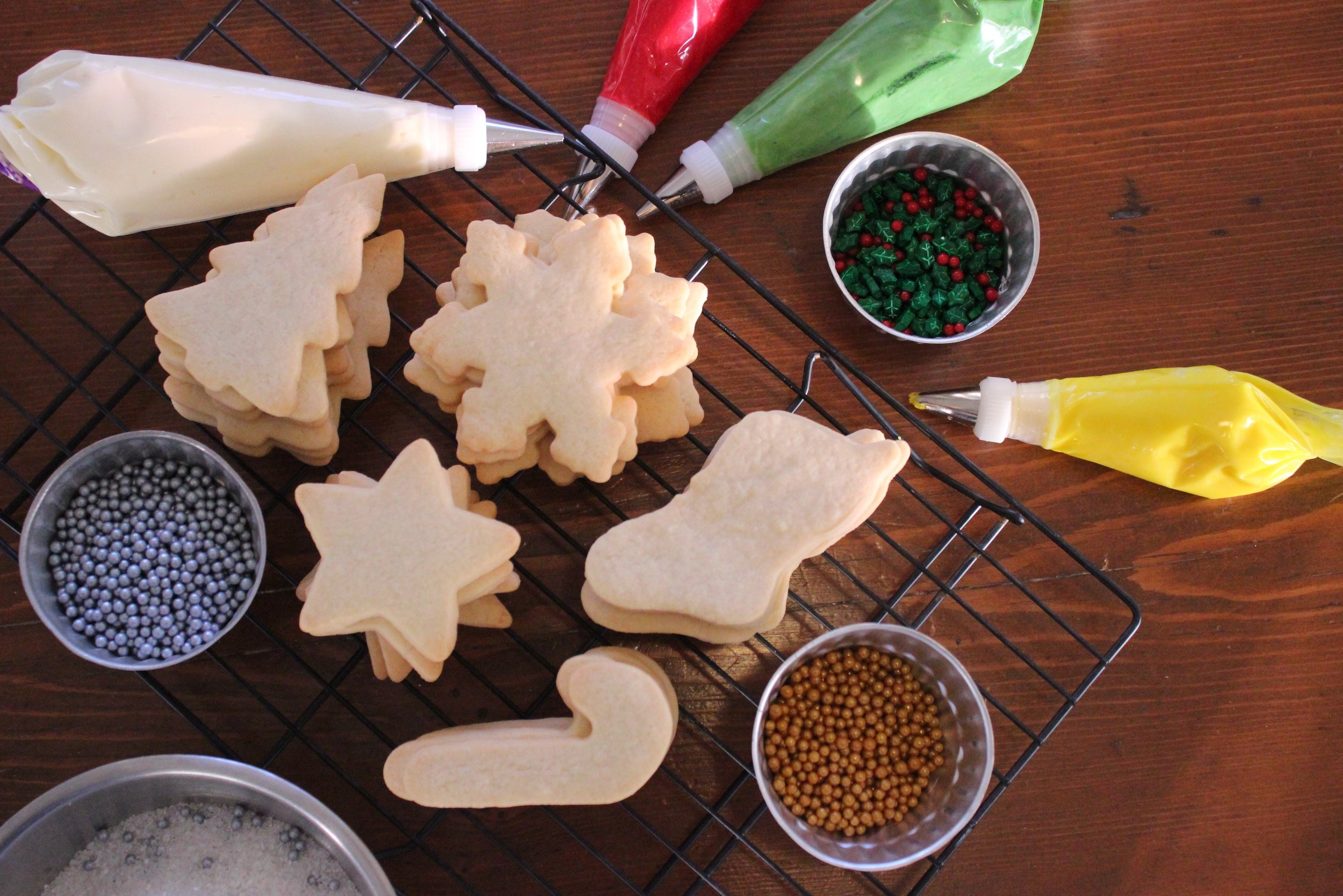 How To Host A Cookie Decorating Party Delicately Sweet Confections