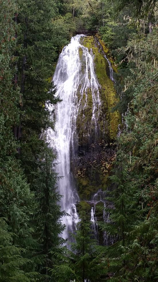 Central-Oregon-Waterfalls