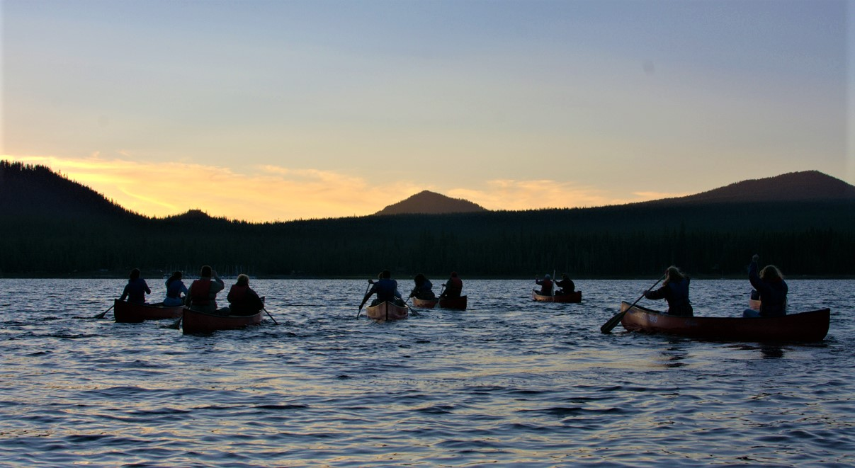 Custom-Canoe-Tour-Bend-Oregon