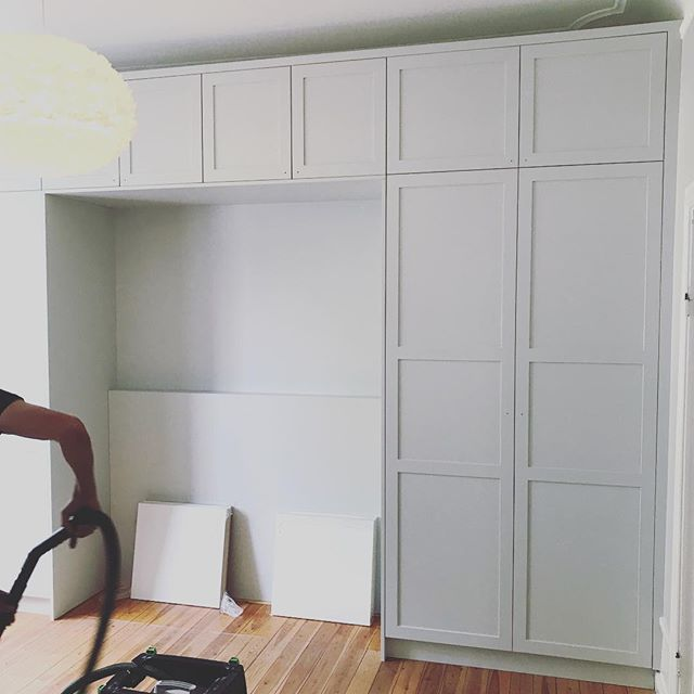 Finished off this wall of wardrobes last week but haven't gotten round to posting. Hopefully I'll be able to snap a few pictures once the bed is in place. #mfsnickeri #interiordesign #inredning #customfurniture #platsbyggt #finsnickeri #sekelskifte #inredningssnickeri