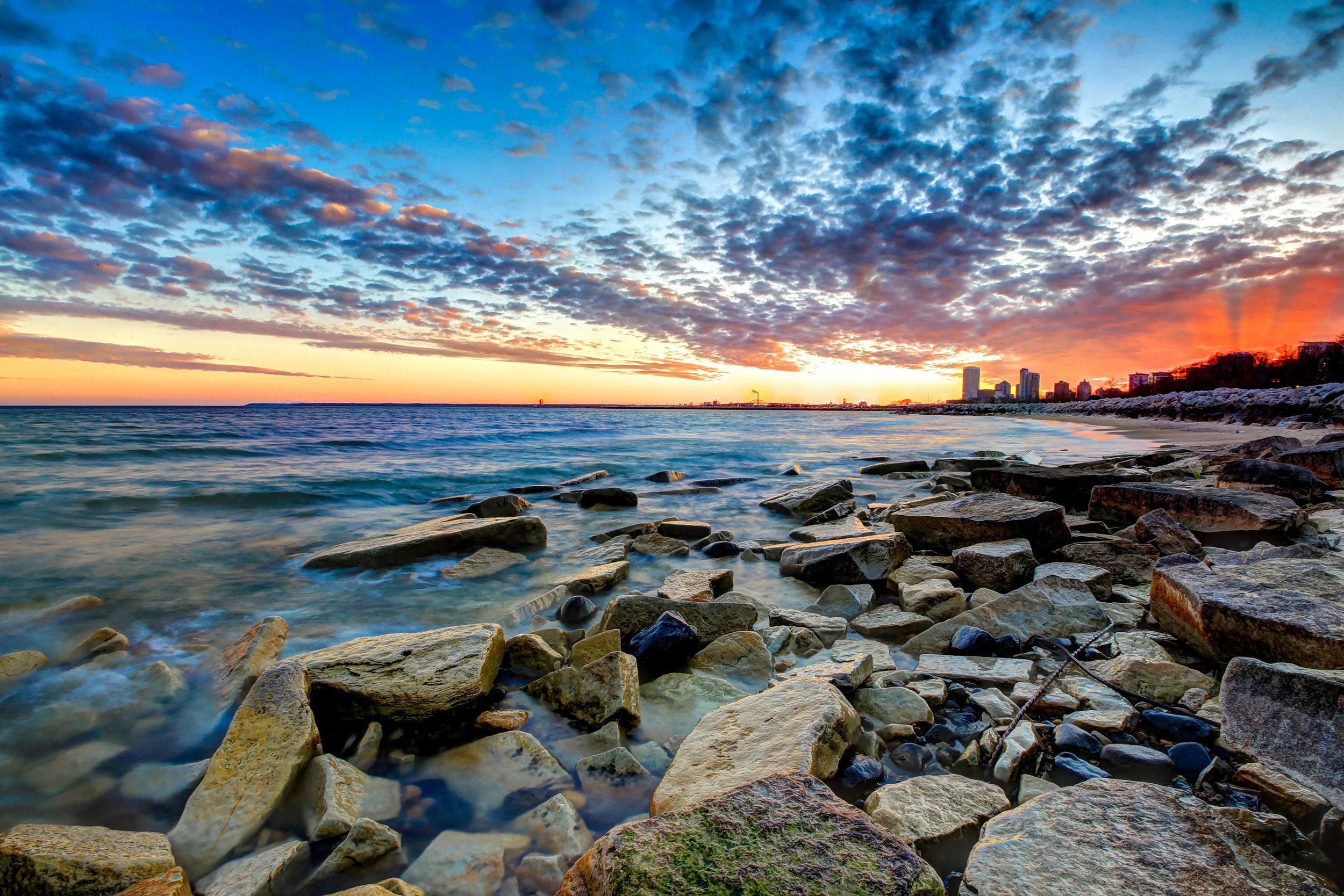 Sunrise on Lake Michigan in downtown Milwaukee