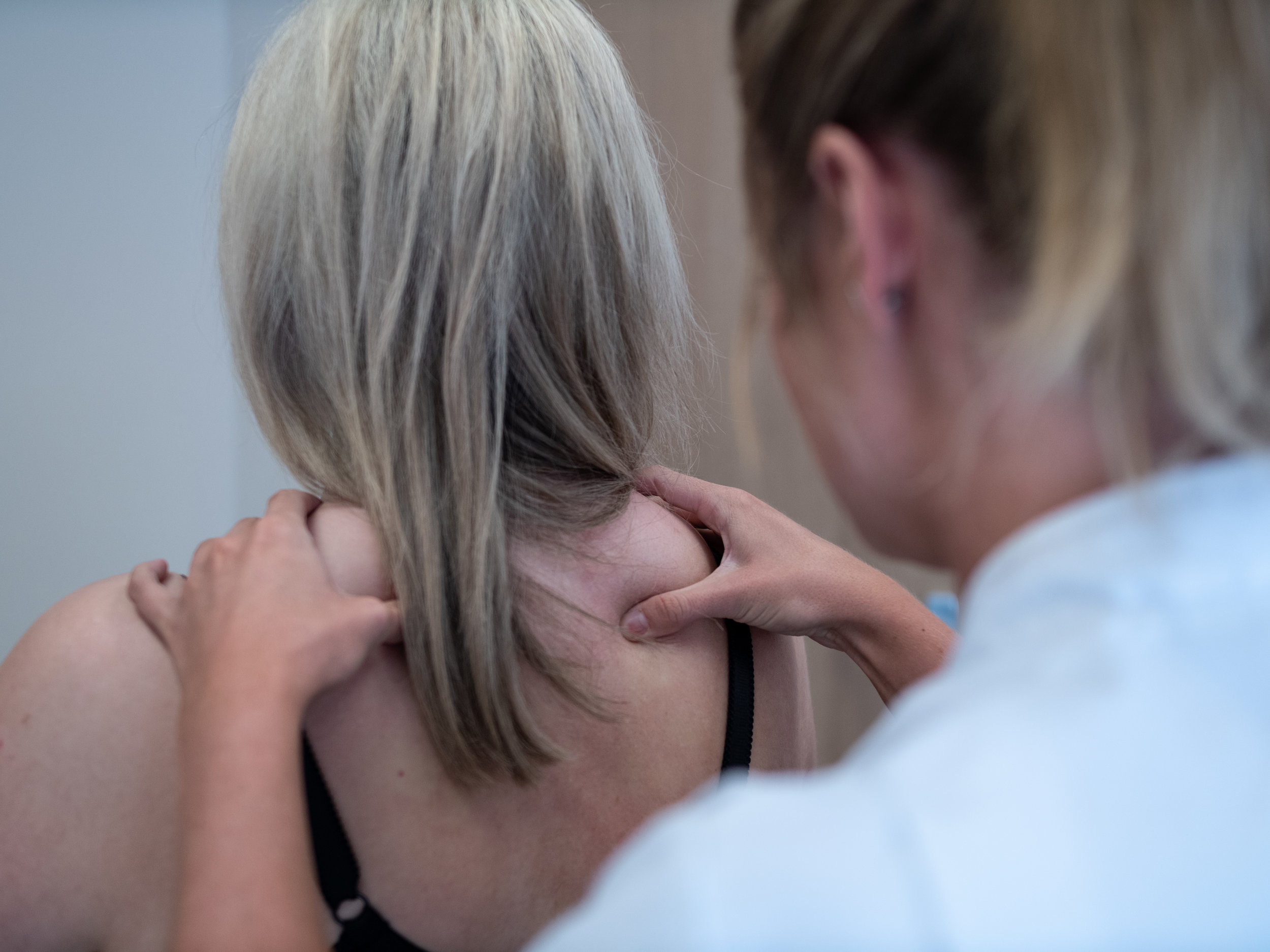 Treating Injuries & Conditions - Osteopathy treats a range of injuries and conditions, from acute injuries to chronic and long-term conditions and illnesses.The Village Osteopaths has had great success in helping patients return to their daily lives after suffering from debilitating pain.