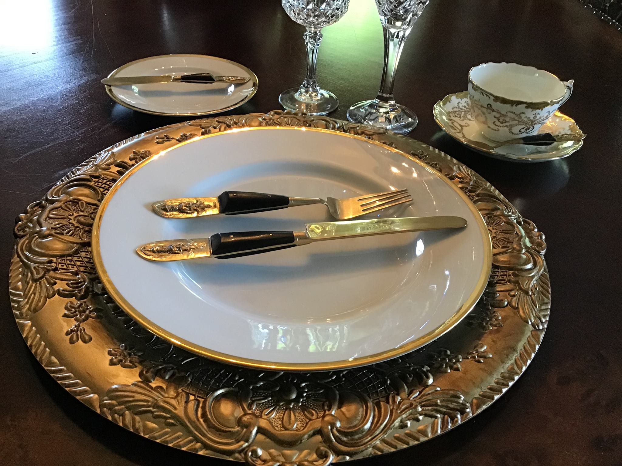 """Mariby Corpening's DID YOU KNOW: Table Etiquette No. 3 - By placement of utensils - """"IT WAS DELICIOUS!"""""""