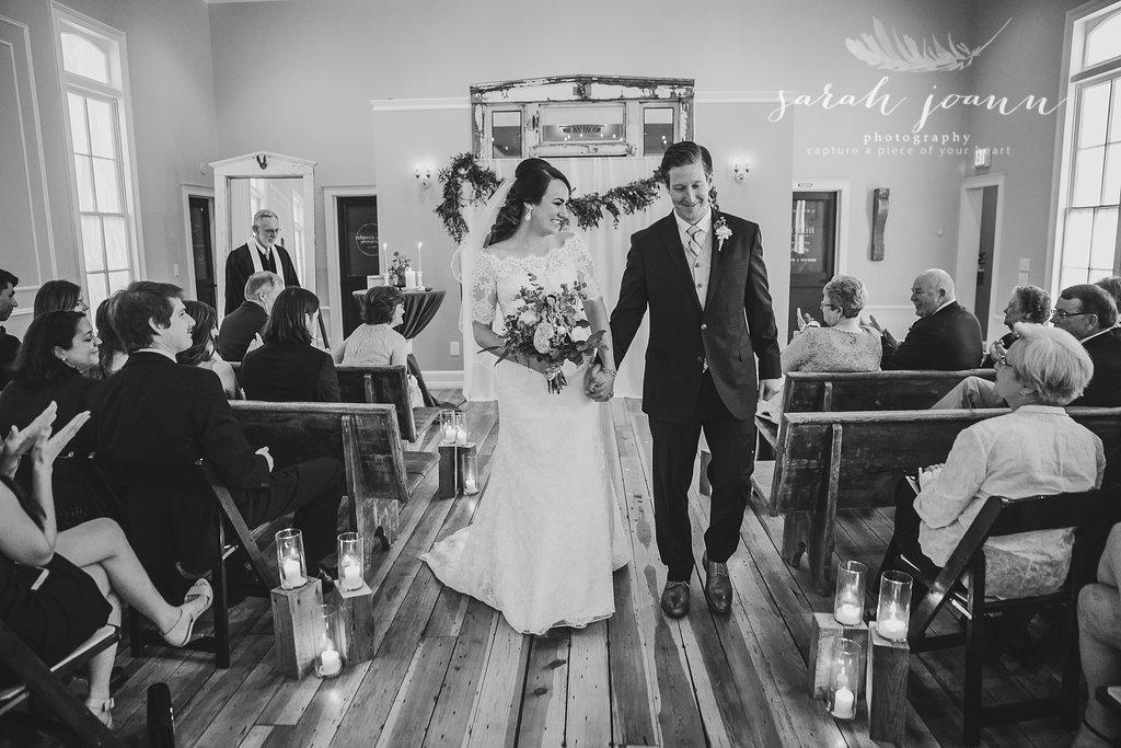 the-Parlour-wedding-photographer-B&B-IMG_63981161.jpg