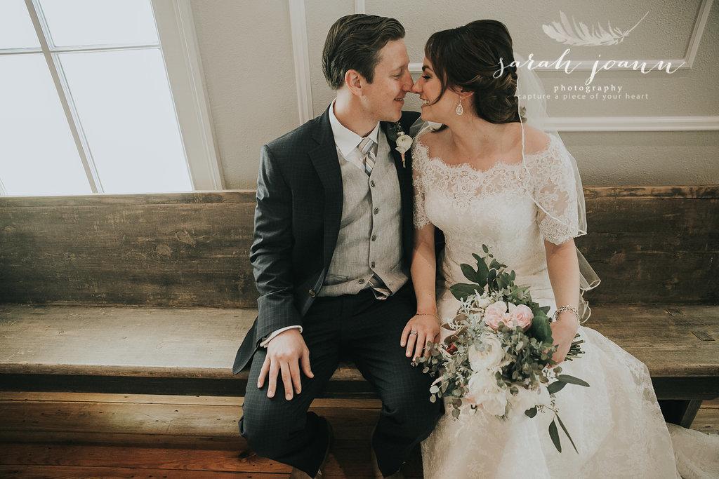 the-Parlour-wedding-photographer-B&B-IMG_65721218.jpg