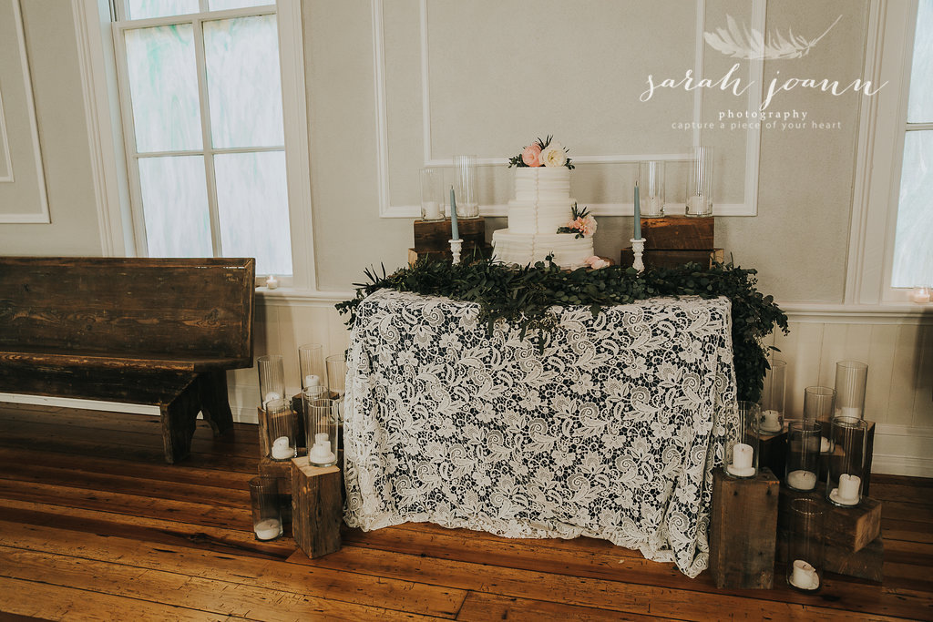 the-Parlour-wedding-photographer-B&B-IMG_72721452.jpg