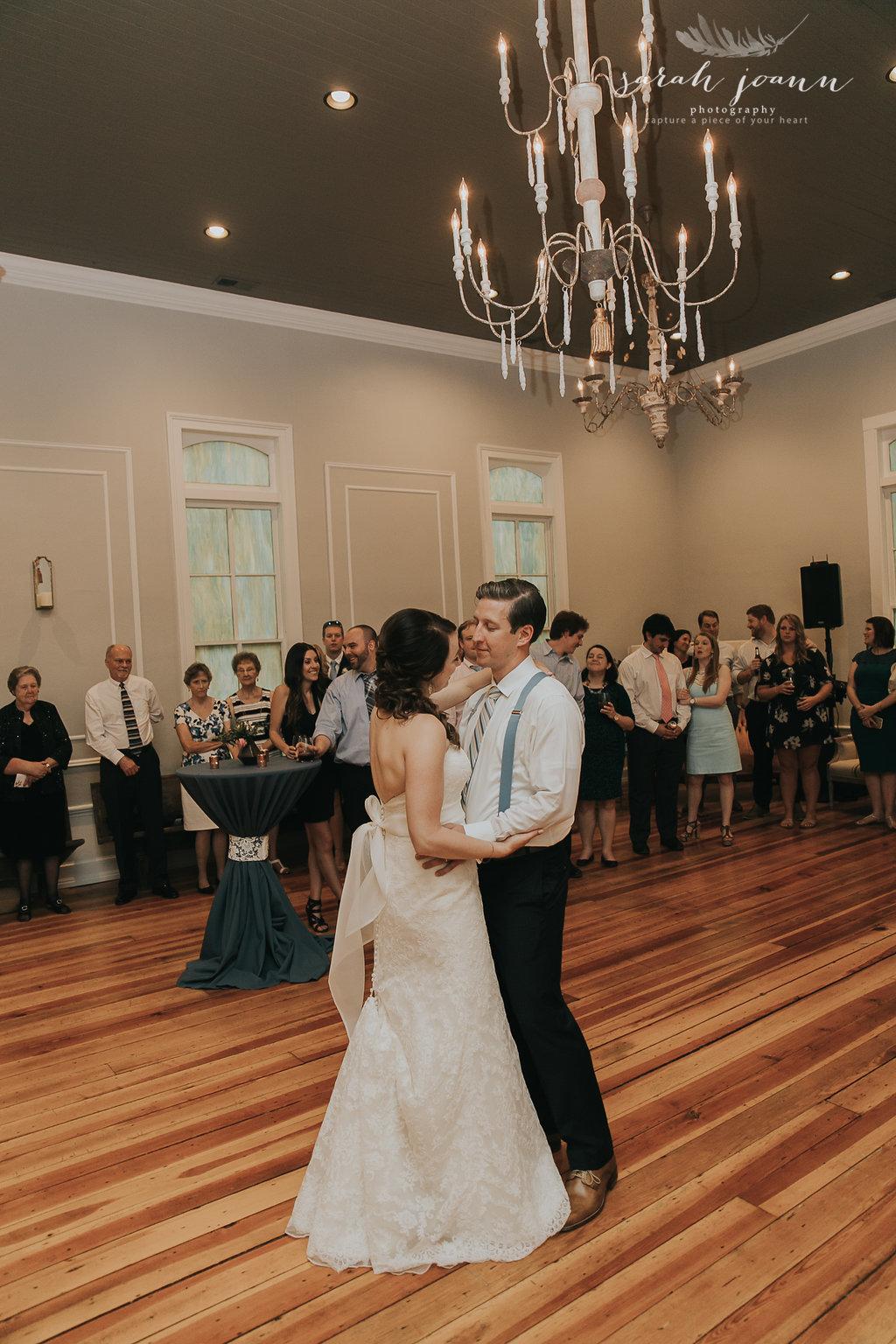 the-Parlour-wedding-photographer-B&B-IMG_77751652.jpg