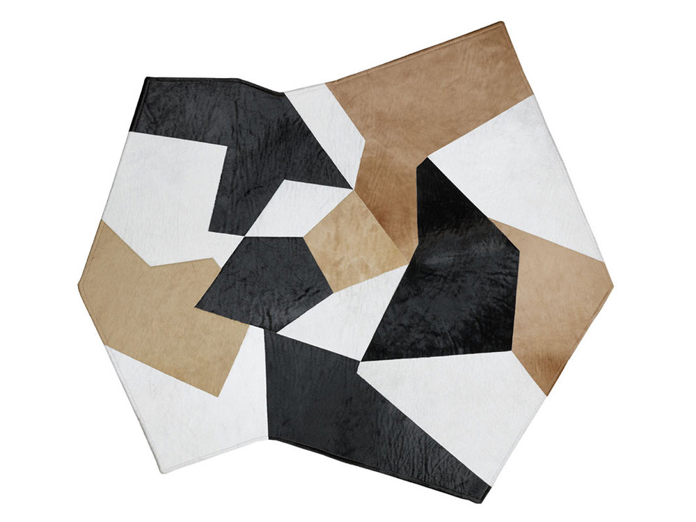 Chaplins: Leather carpet Design by Gio Ponte for MOLTENI