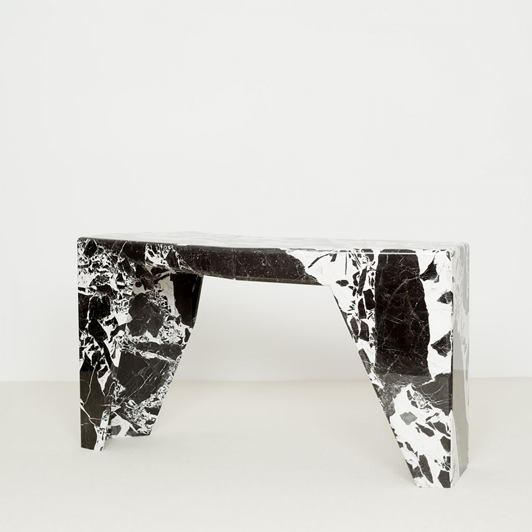 Jaz: Console in marble. Design by Christophe Delcourt.
