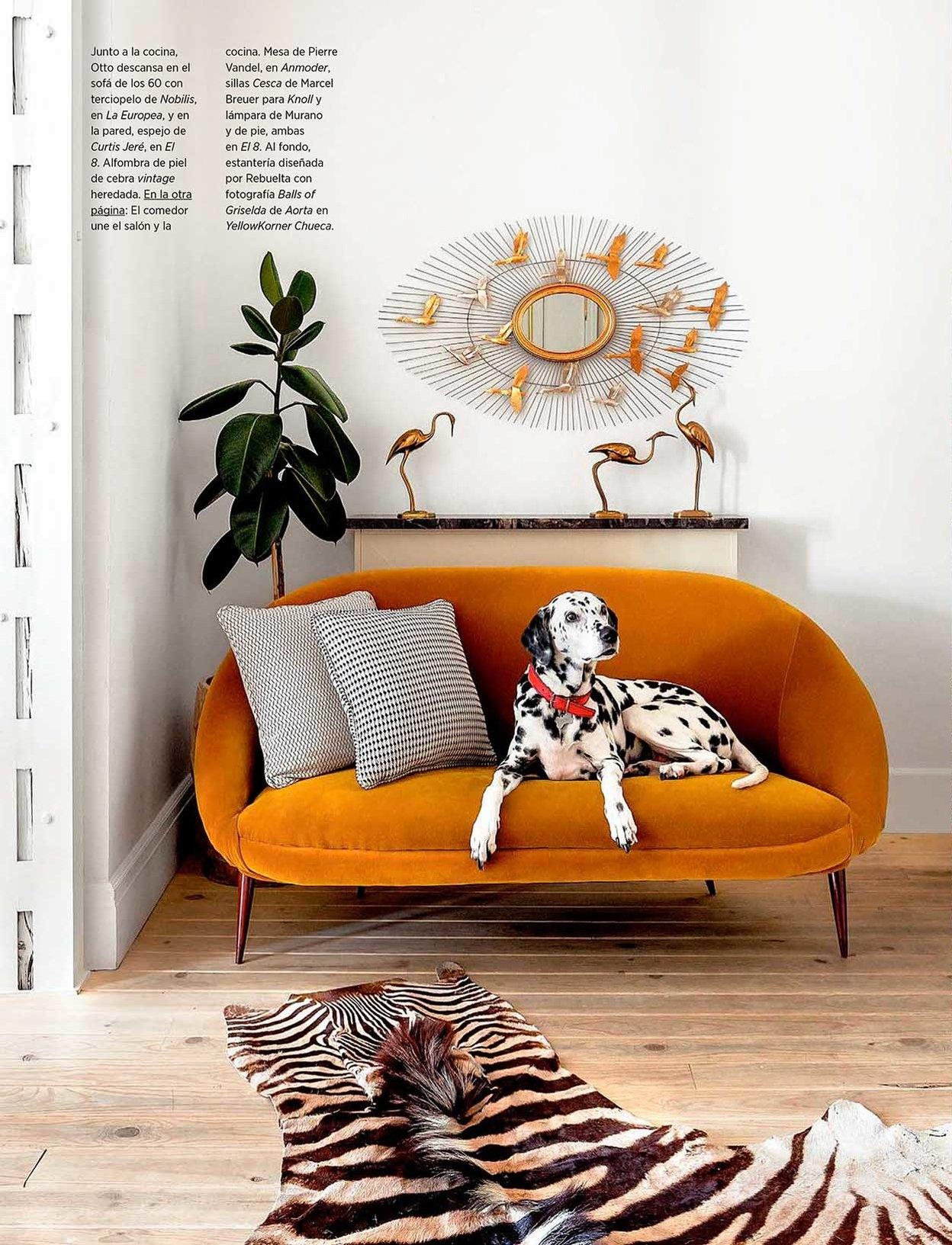 Salesas Apartment Interior by Carmen Rebuelta, Madrid as seen in AD España issue January 2018/ Photo credit: Belen Imaz.