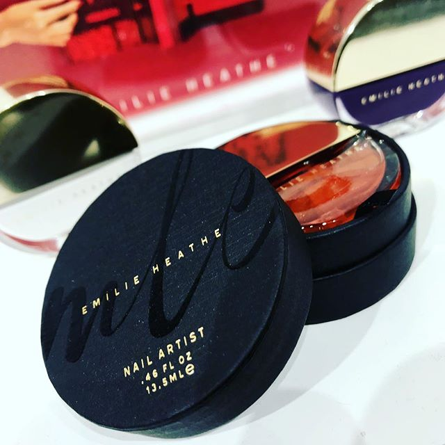 So proud of my former client on the recent launch of her cosmetics company @emilieheathe 🖤You guys know I am a complete sucker for beautiful visual design...These fall colors are gorgeous AND the packaging is stunning! Check her out at her pop-up at 43 Crosby Street in SoHo at Naked Cashmere x Mark Cross.⚡️💥 . . . #mollywinterstewart #amplifiedlife #keepitpositive #broadway #performer #artist #brooklyn #nyc #cleanbeauty #design #nailpolish #luxurybeauty