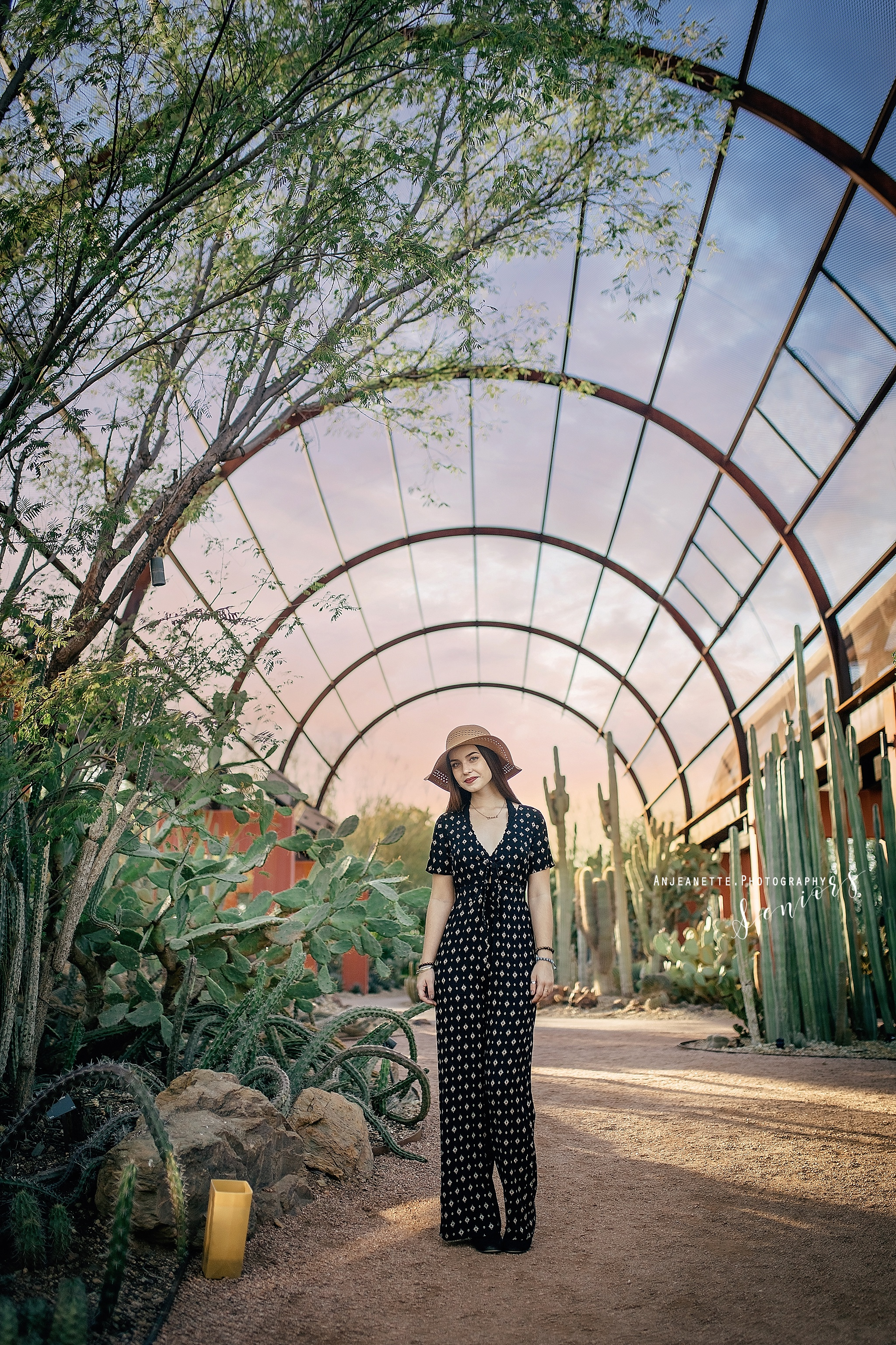scottsdale high school portraits, families, & Headshot photographer Anjeanette Photography Phx Arizona desert botanical garden DBGPHX Places to take senior pictures Peoria Az