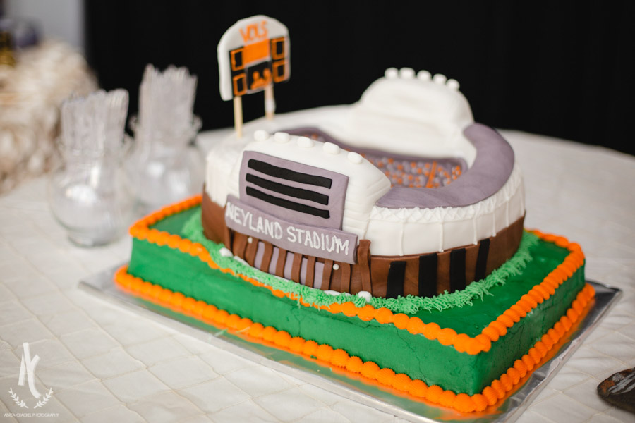When you're a Tennessee Volunteers fan, a Neyland Stadium groom's cake is perfection!