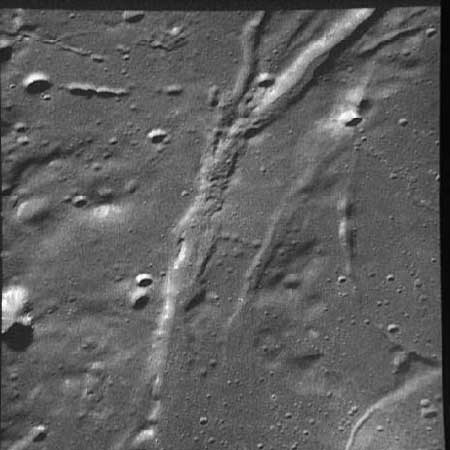 Rille photographed by Apollo 17 mission. Credit: LPI