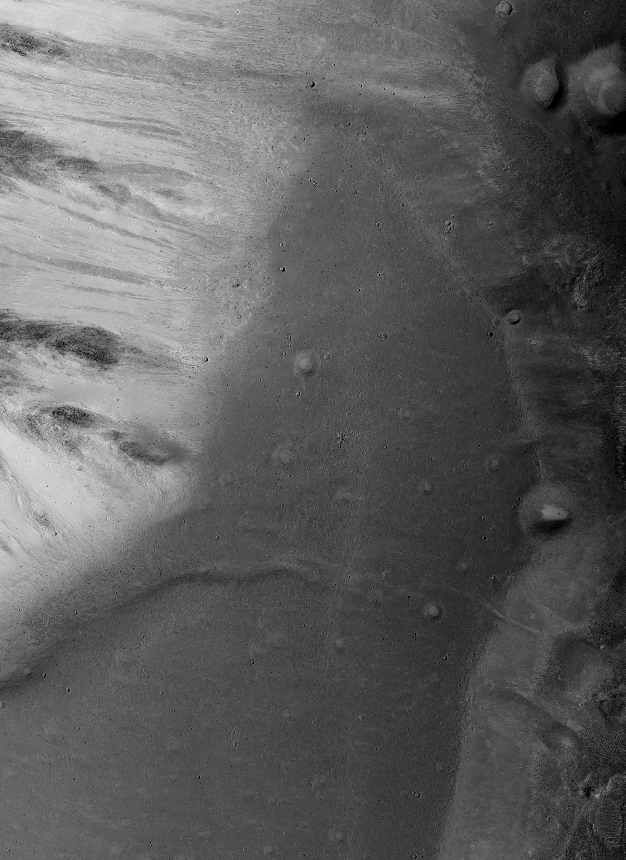 Possible Intravalley Paleolake in Shalbatana Vallis. Image credit: HiRISE/ASU PSP_010316_1830