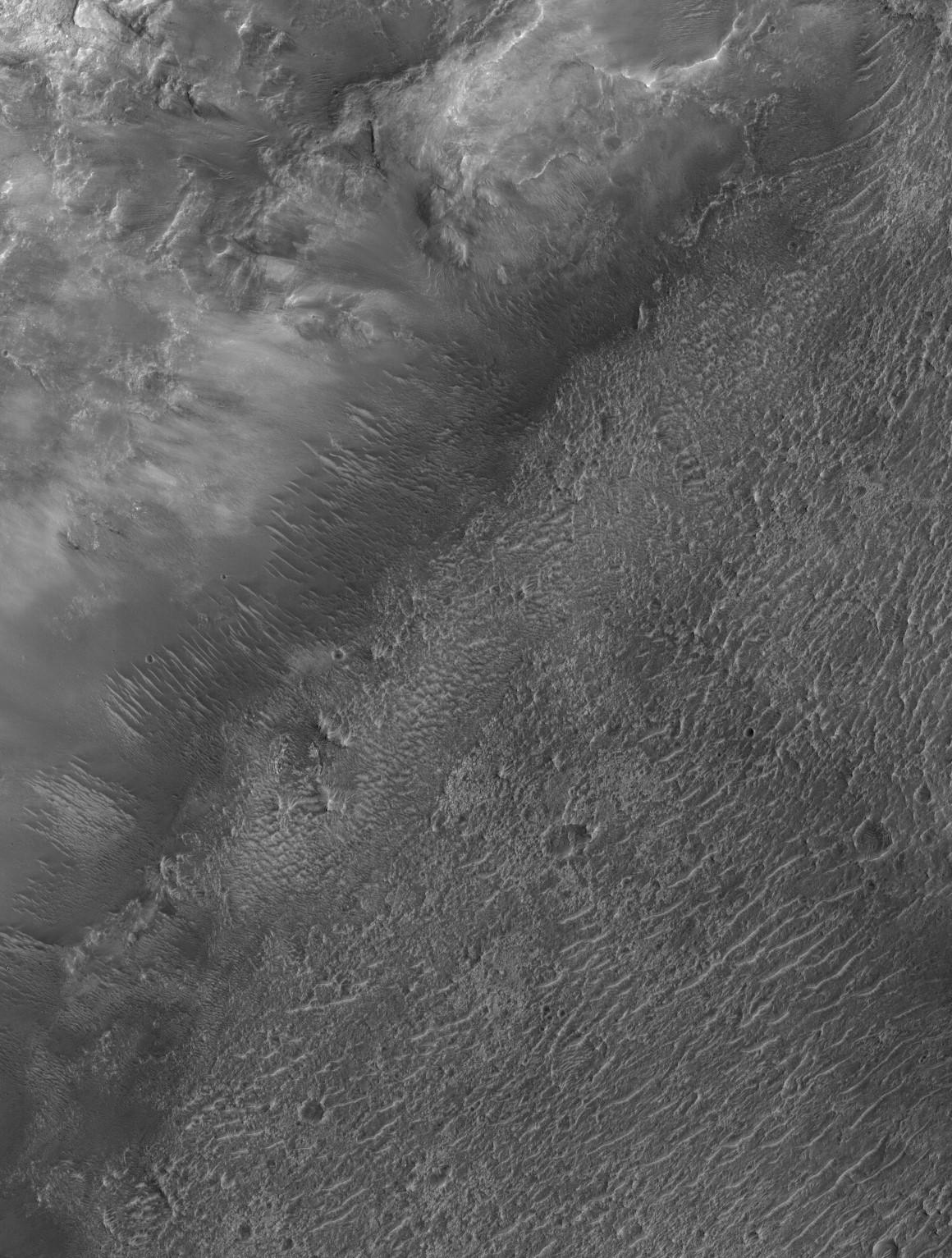 Paleolake candidate on Mars. Image credit: HiRISE/ASU ESP_012541_1600