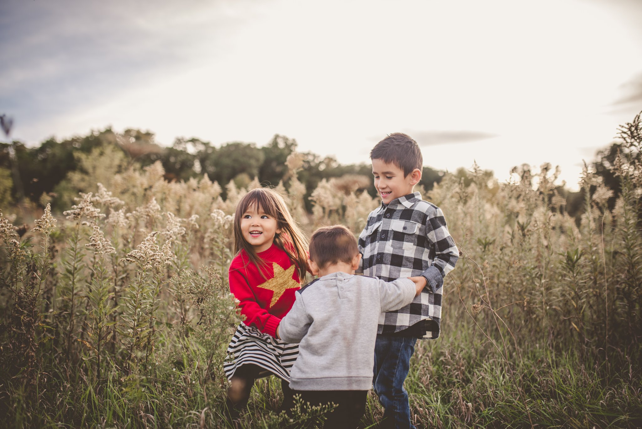 moh family photography waunakee wi sibling photo.jpg