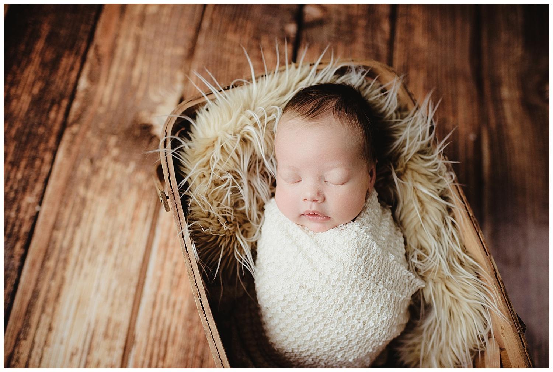 newborn photographer sun prairie wi kayla e photography.jpg