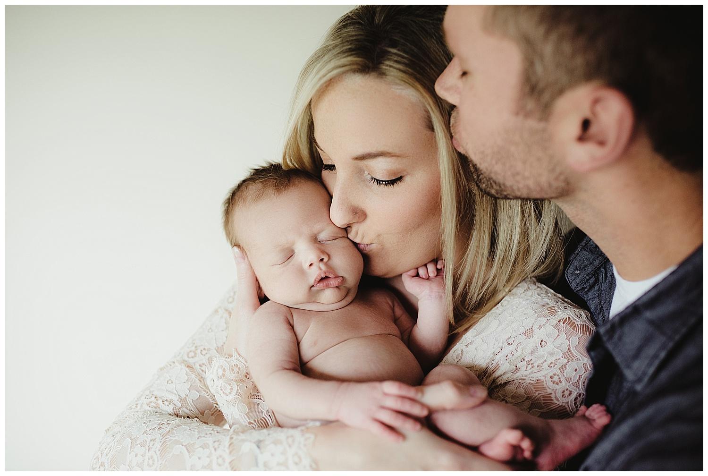 newborn family photography session sun prairie wi.jpg