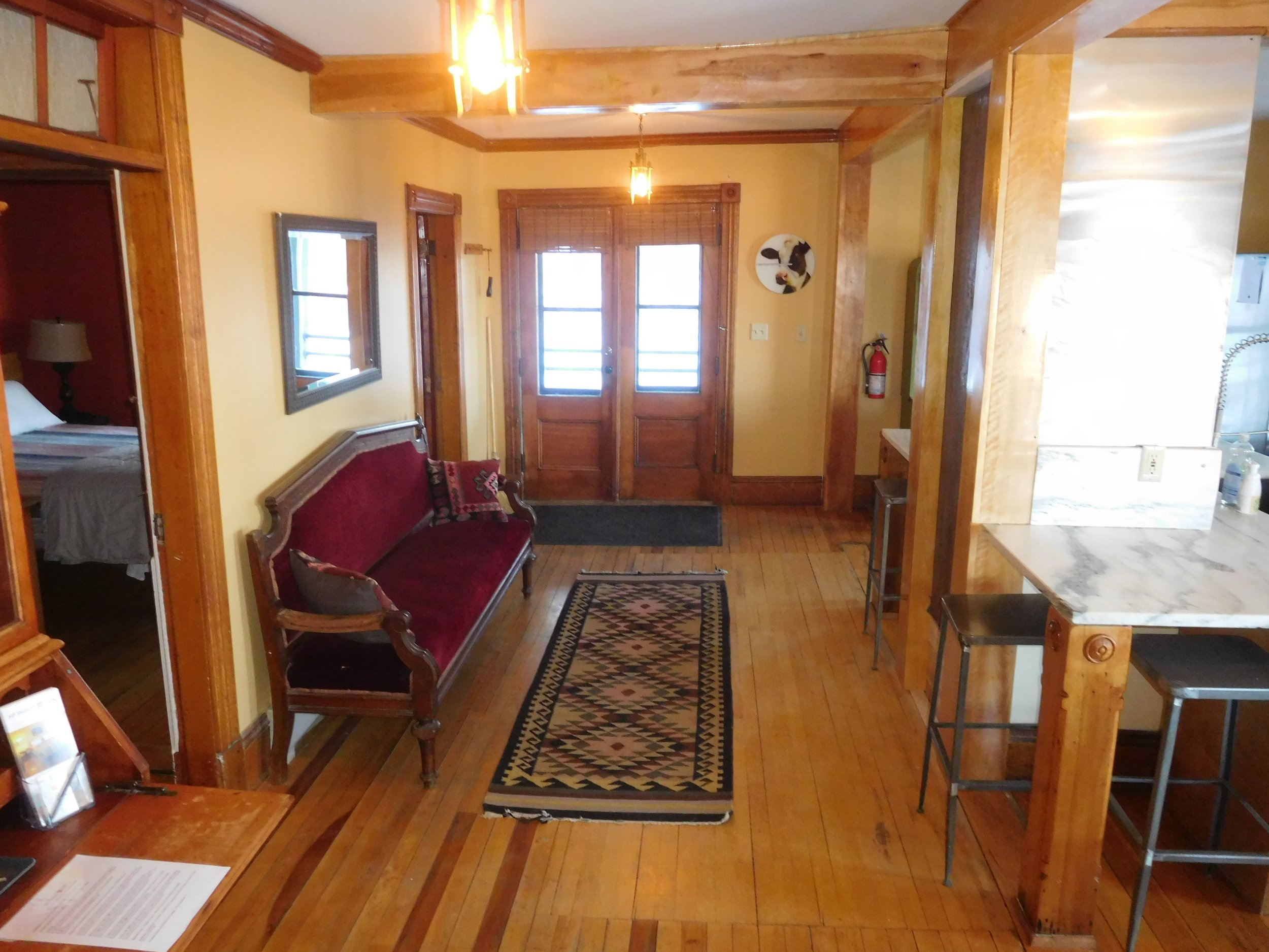 Left Wing entrance - Private entrance, spacious common area hold 15 people comfortably