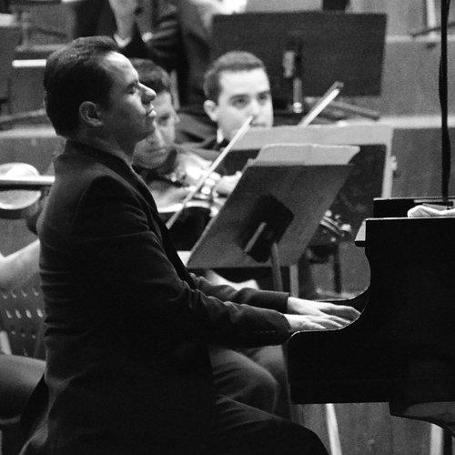 Hugo Arenas  Coach / Pianista