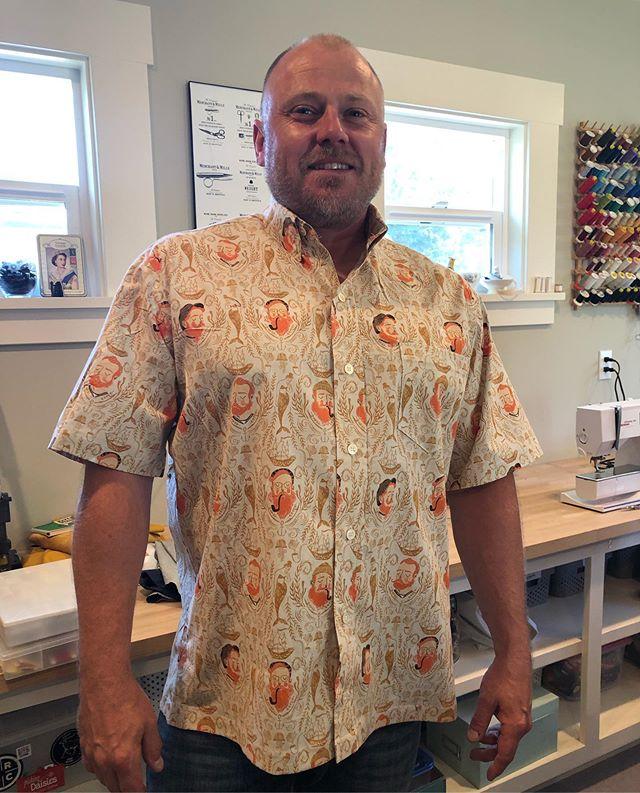 Custom shirt for @svenhammer21 ... doesn't he look swoll? He xfits 😉 my shirt makes him look extra fit 💪🏻 #customsewing #meganselbysews  #pickingdaisies #svenhammer #slowsewing #slofashion