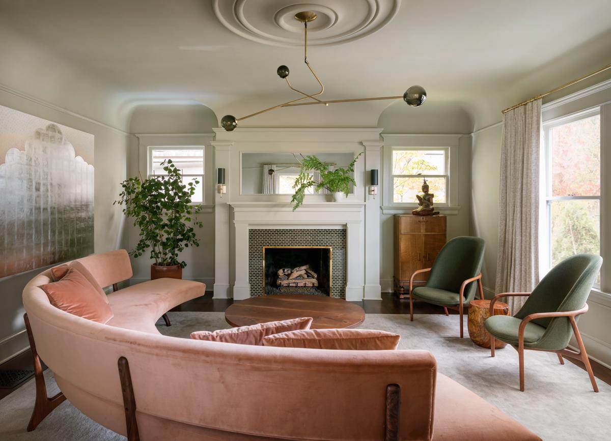 01_NWJohnsonStHouse_livingroom.jpg