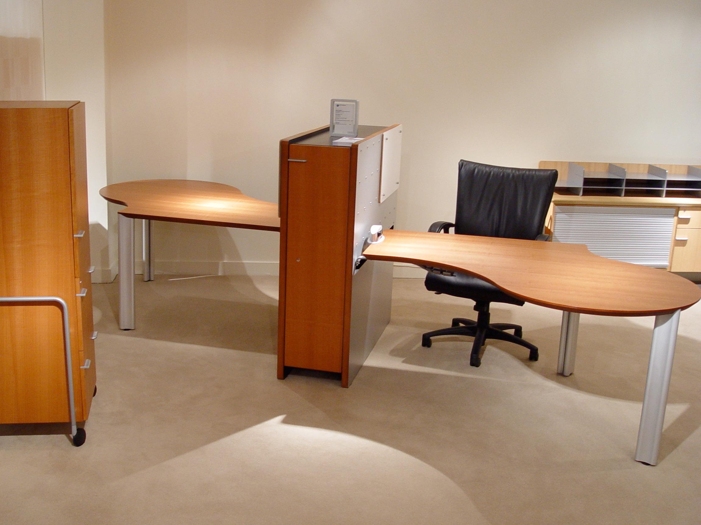 osso collaborative desks