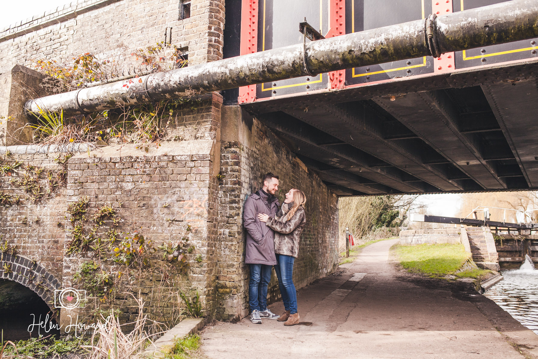 Couples engagement shoot in by Grand Union Canal in Berkhamsted by Helen Howard Photography