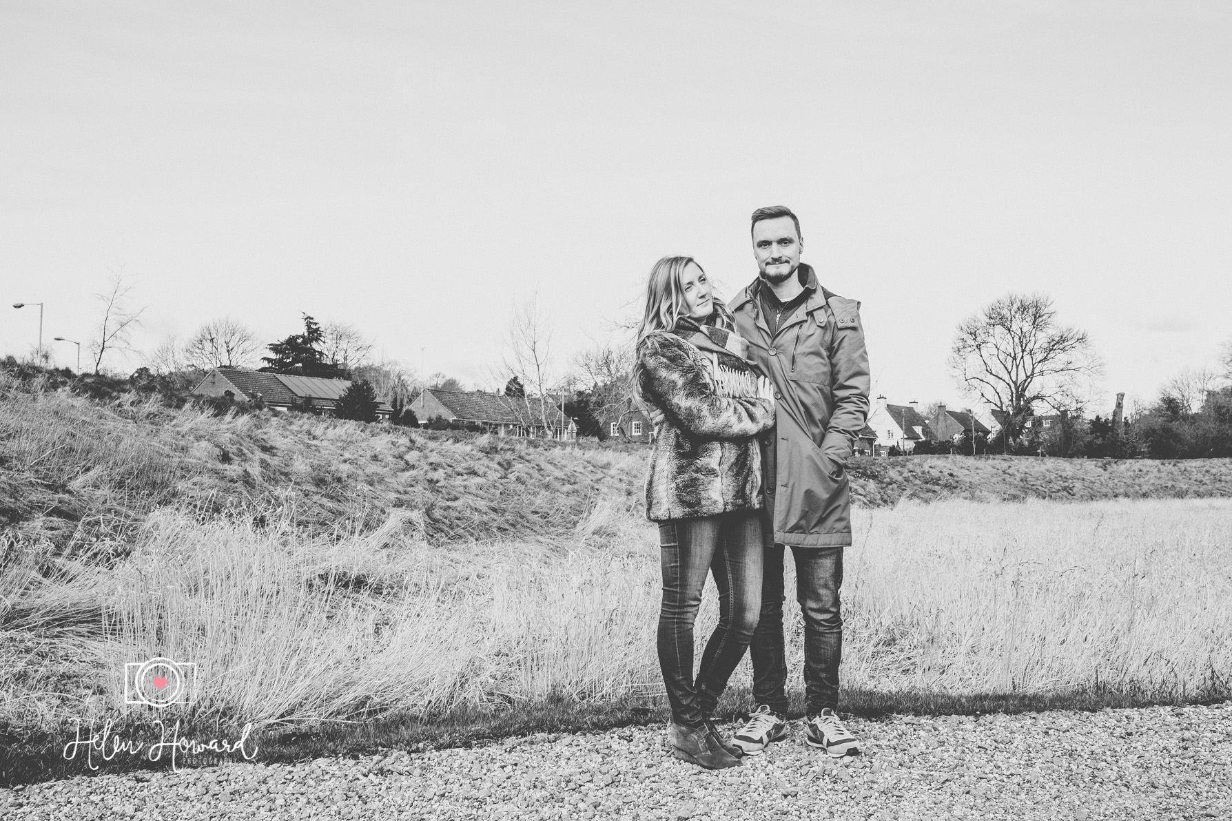 Couples engagement shoot in Berkhamsted Castle Grounds by Helen Howard Photography