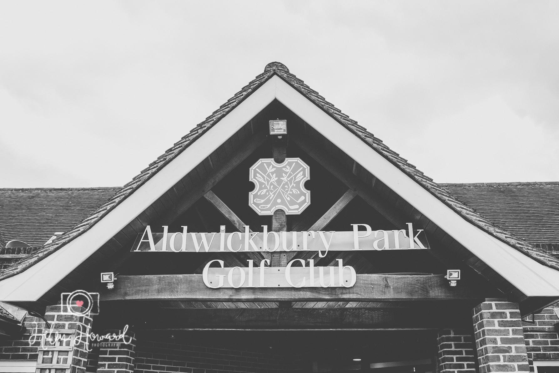 Aldwickbury Park Golf Club wedding-29.jpg