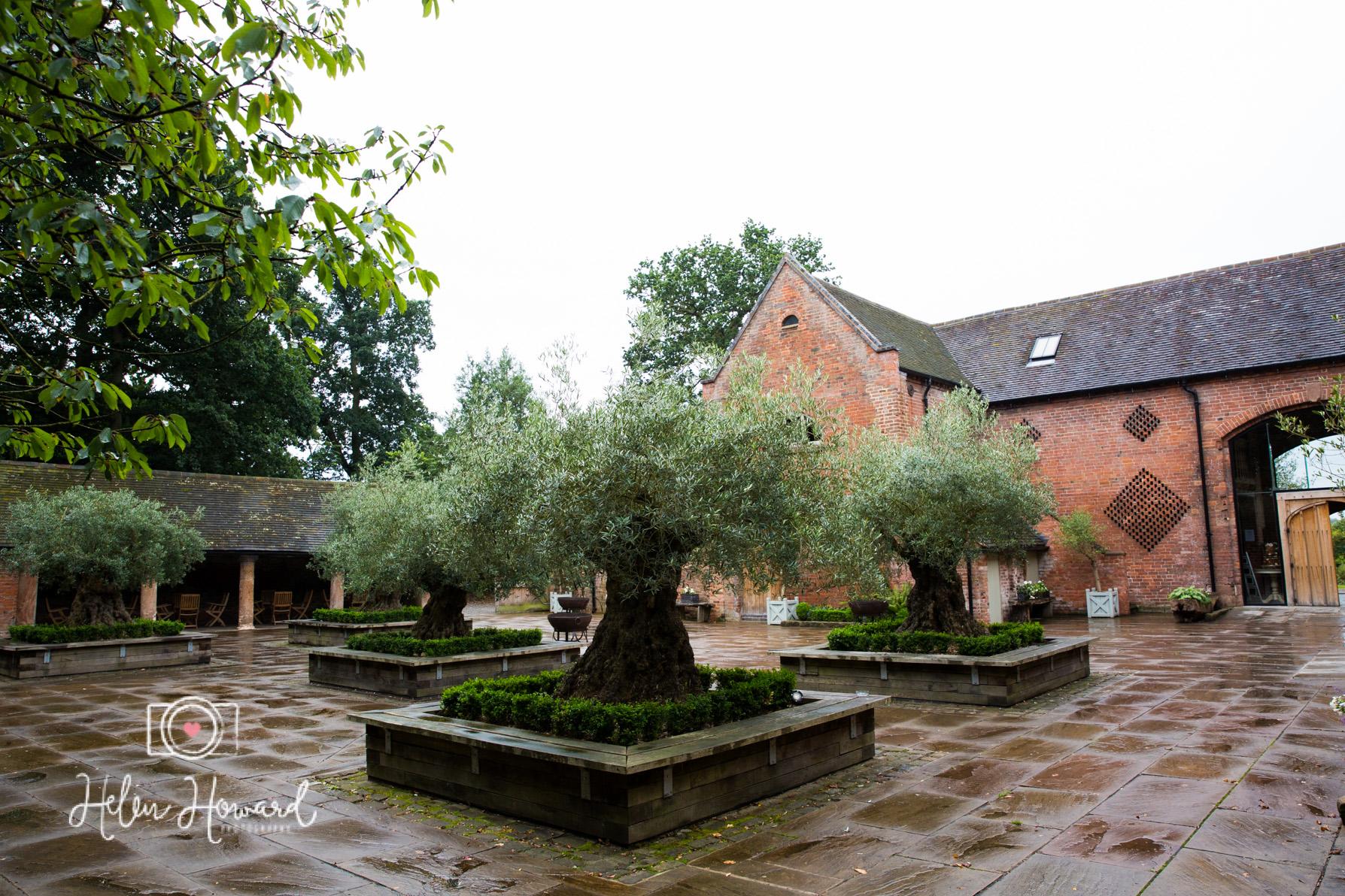 Shustoke Farm Barns Wedding Photography by Helen Howard-45.jpg